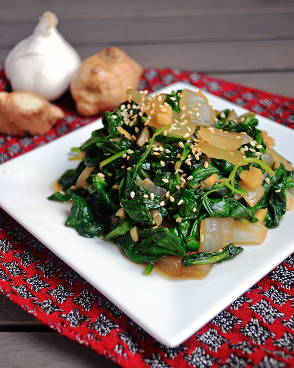 Garlic-and-Ginger-Sauteed-Spinach